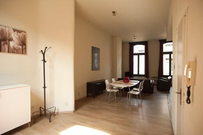 Modern gemeubileerd appartement te huur antwerpen for Te huur huis in antwerpen
